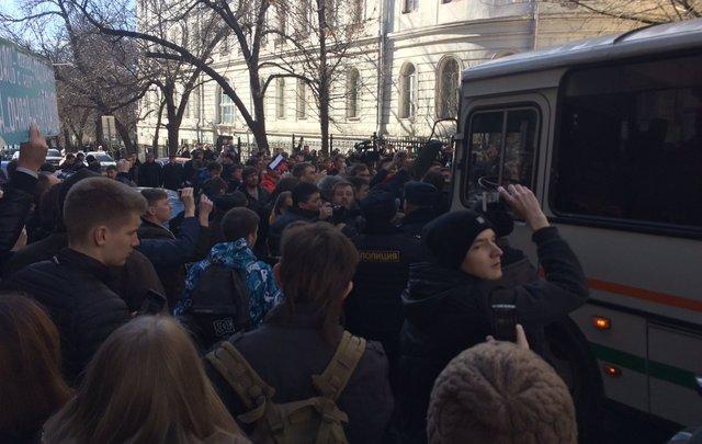 Намитинге в российской столице  милиция  задержала Алексея Навального