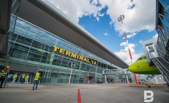 ВКазани самолет заблокировал взлетно-посадочную полосу аэропорта из-за сложностей сшасси