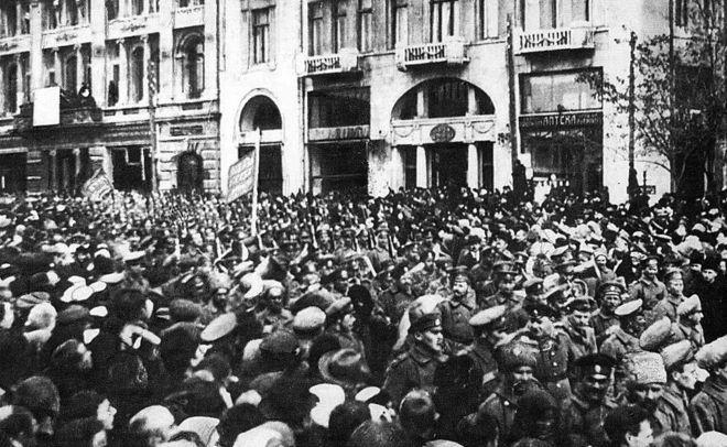 Опрос: 48% граждан России позитивно оценили революцию 1917 года