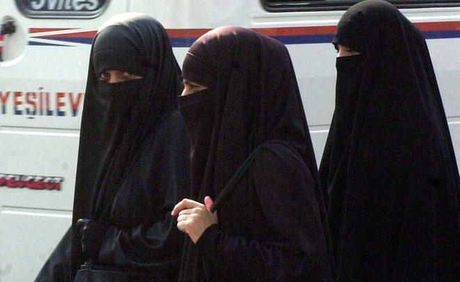 ВГермании работники госслужб несмогут носить паранджу наработе