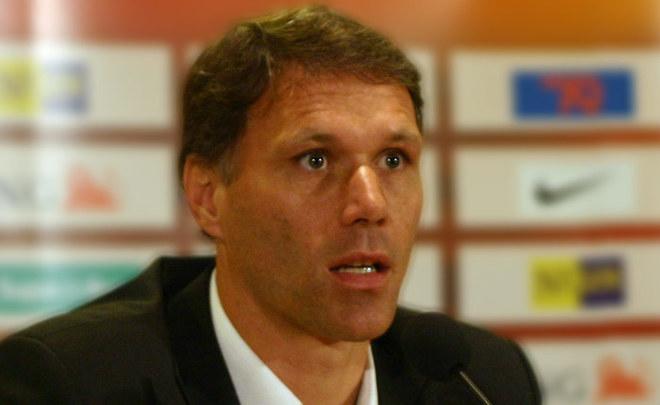 Главой отдела технического развития FIFA стал прошлый футболист Ван Бастен