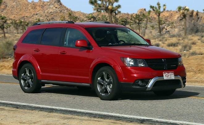 Fiat и Dodge отзовут в России почти тысячу автомобилей из-за проблем с рулем