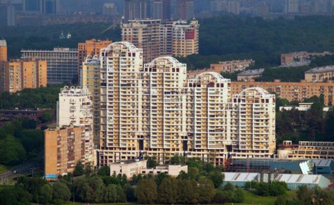 Неменее 80 депутатов прошедшего созыва, вопреки закону, невыселились изслужебных квартир
