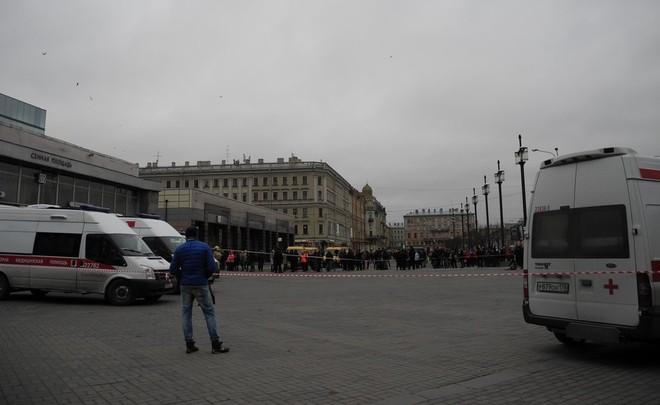 Станцию «Сенная» в северной столице перекрыли после звонка обомбе