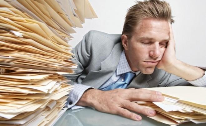 Жители России работают на80% собственных возможностей из-за недосыпа— эксперты НАФИ