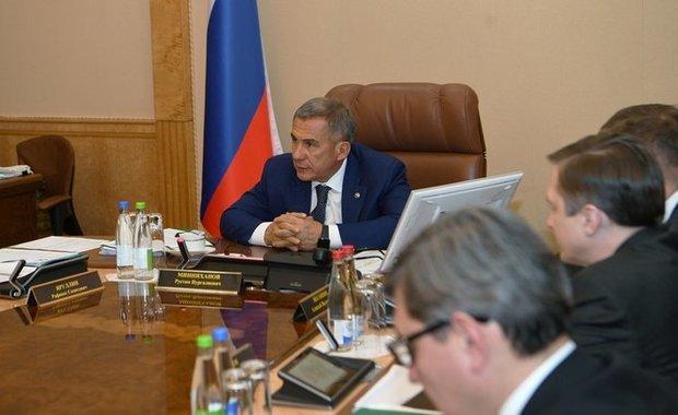 Рустам Минниханов предложил поддержать чистопольского производителя рабочей обуви