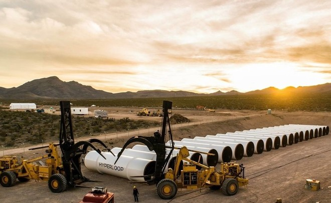 Владимир Путин пообещал оказать поддержку проекту сверхскоростных поездов Hyperloop