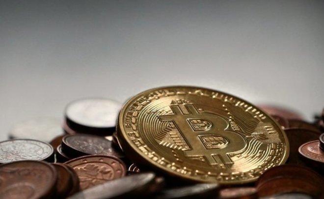 Стоимость биткоина превысила млн. руб.