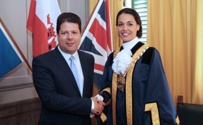 Победительницу конкурса «Мисс Мира— 2009» выбрали мэром Гибралтара