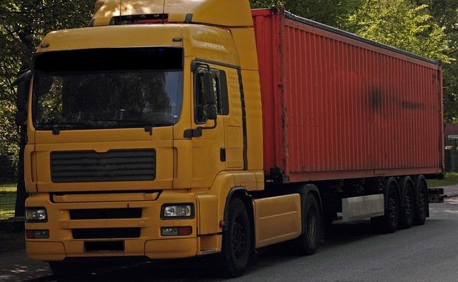 В Российской Федерации вгрузовиках собираются установить единое бортовое устройство