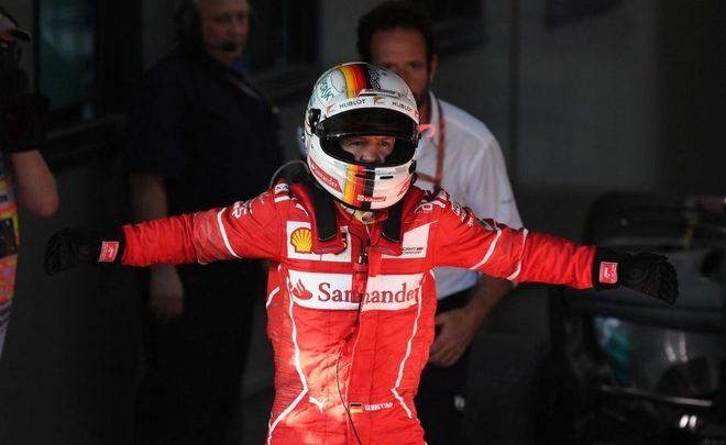 Себастьян Феттель одержал третью победу в этом сезоне Формулы-1 Квят не доехал до финиша