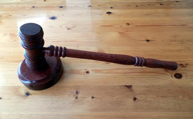 Суд арестовал первого из 8-ми подозреваемых втеракте вПетербурге