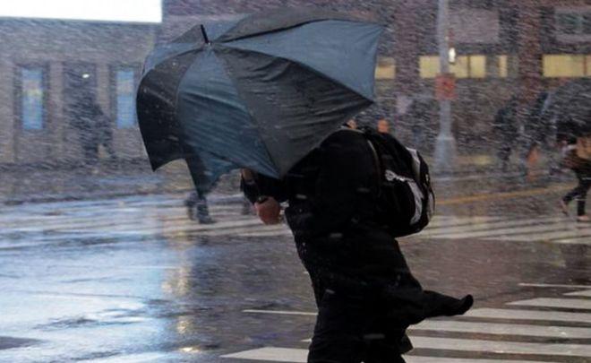 МЧС объявило штормовое предупреждение в22 областях иреспубликах РФ