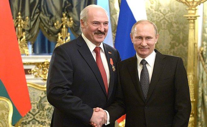 Лукашенко: Реэкспорт польских яблок вРФ выполняют русские преступники