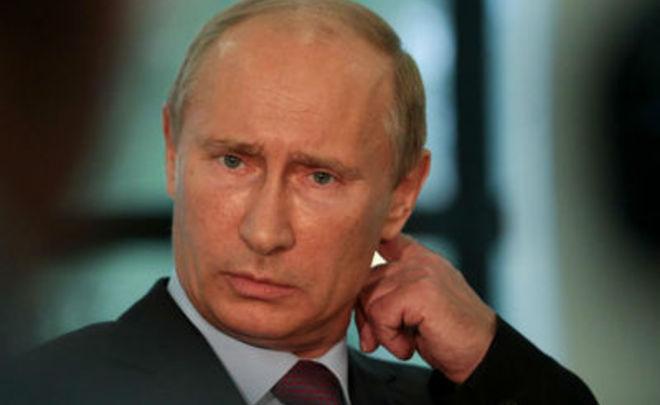 ВКремле обещали разобраться, почему подписанный Путиным закон отличается отпринятого Думой