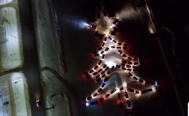 Новогодняя елка из86 авто вЧелябинске вошла вКнигу рекордов Российской Федерации