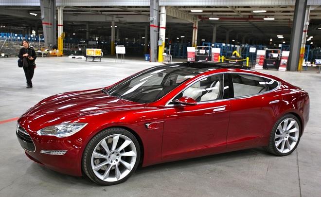 Только ради РФ электромобили Tesla готовы установить систему «ЭРА-Гонасс»