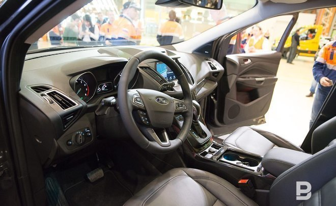 Каждый четвертый купленный вРФ автомобиль стоит дороже 1,6 млн руб