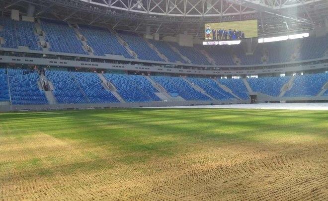 На «Санкт-Петербург Арене» прошивают новый газон