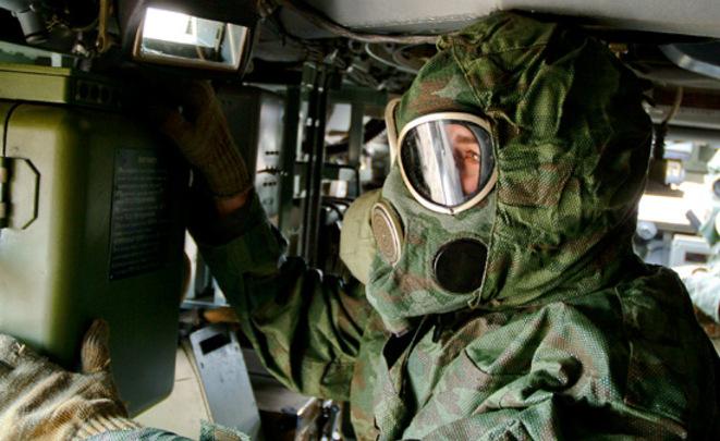 Новая экипировка для войск химзащиты проходит заводские тестирования