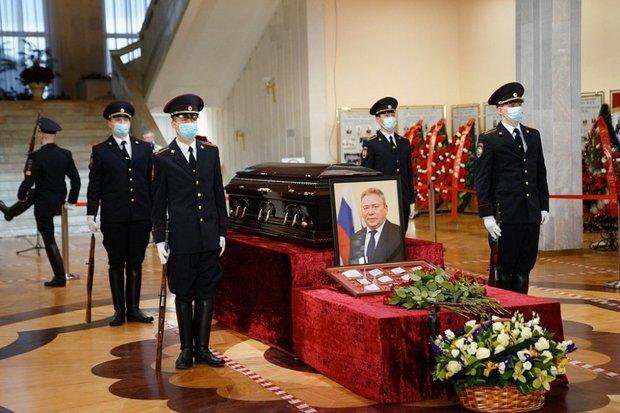 На похоронах мэра Уфы глава Башкирии не смог сдержать слез