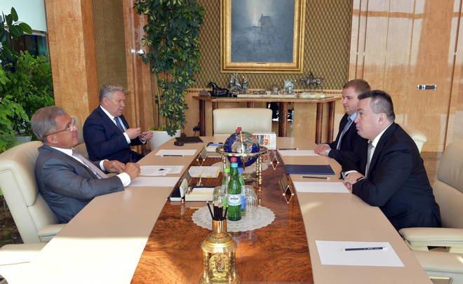 Минниханов встретился с бывшим губернатором Приморья