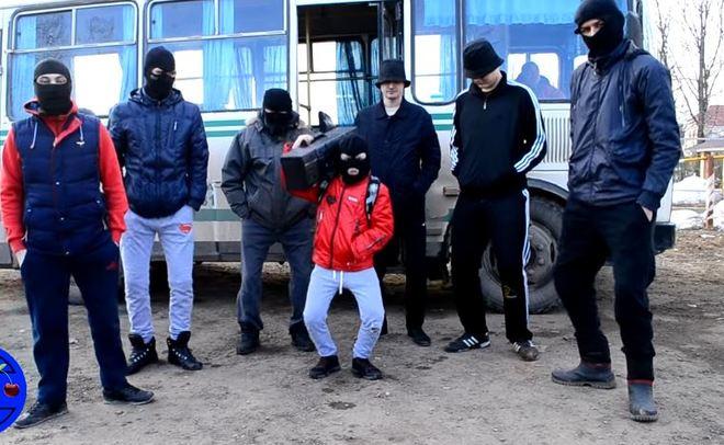 Жители Салмачей сняли пародию на «Тает лед» для привлечения внимания к проблеме пробок в жилом массиве