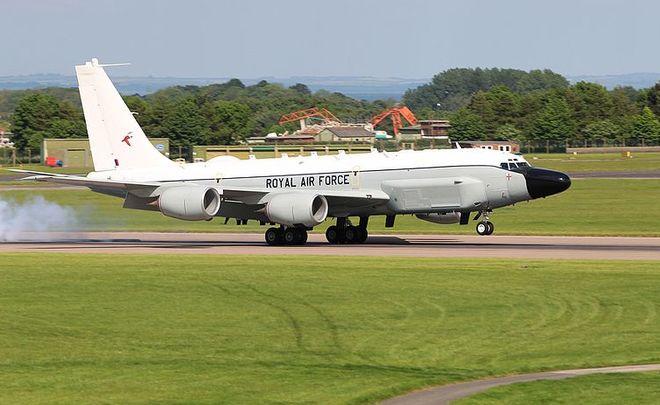 Шпионивший уграницРФ британский самолет рассекретили при помощи мобильного приложения