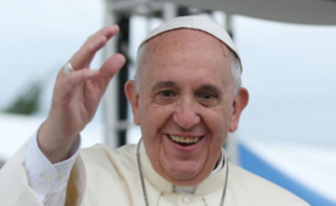 Неизвестные повесили вРиме постеры скритикой Папы Римского