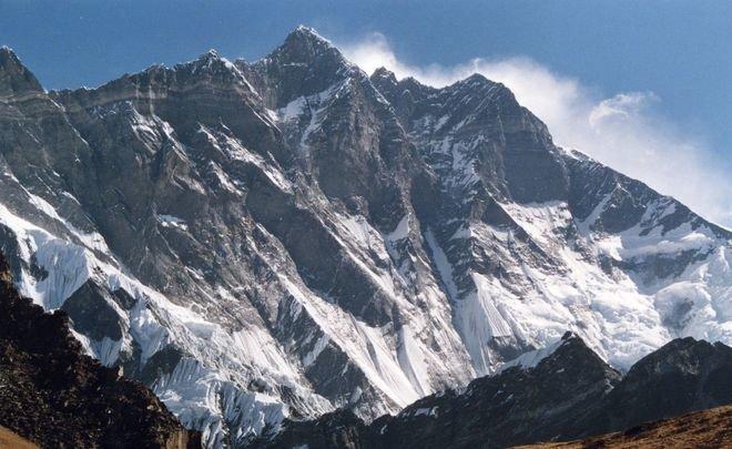 Новый рекорд— непалка поднялась наЭверест 9 раз