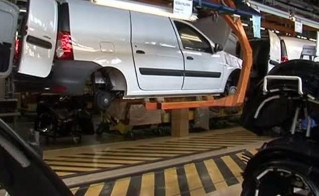 Русский автопроизводитель уменьшает рабочую неделю из-за спада экономики