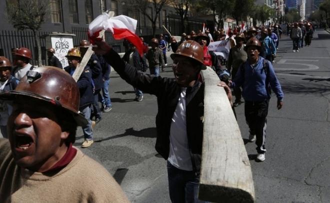 СМИ в Боливии протестующие шахтеры убили замглавы МВД