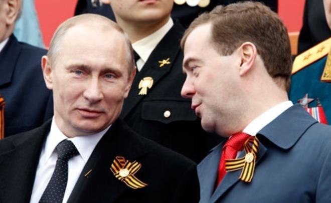 Владимир Путин впервый раз неотправит премьера вотставку накануне выборов