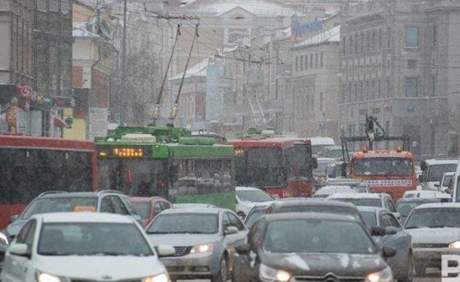 ФАС проверит факты завышения цен такси-агрегаторами впреддверии новогодних праздников