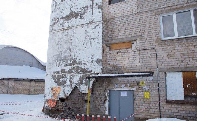 ВЗеленодольске обрушилась часть стены общежития