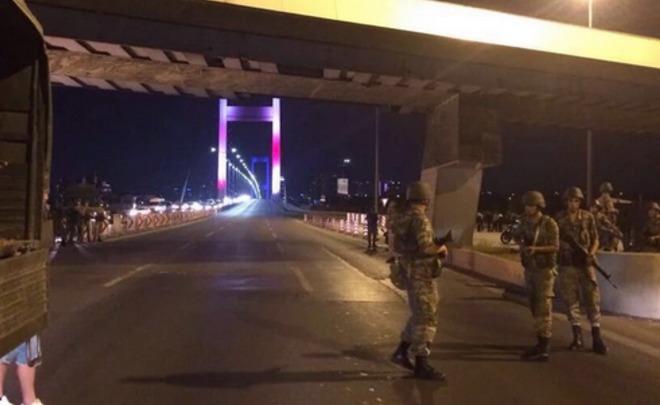 Генштаб Турции объявил озахвате власти изадержании руководства страны