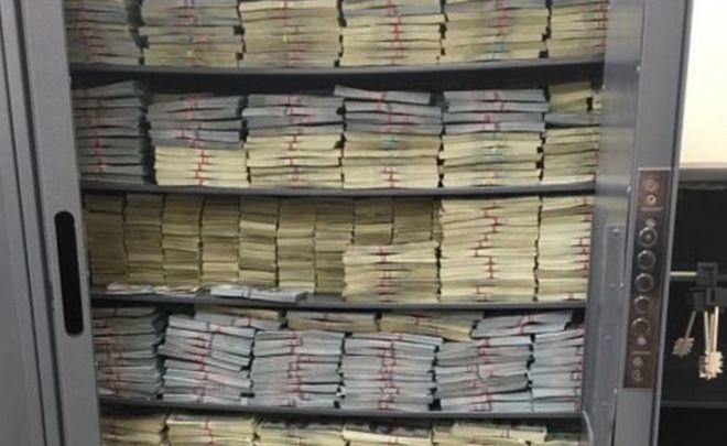 Следствие нашло новые счета полковника Захарченко вбанках Швейцарии