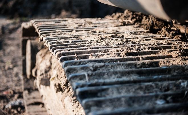 Нелепая смерть наСамосыровской свалке: бульдозерист умер под гусеницами собственной многотонной машины