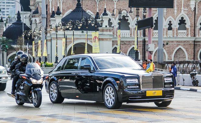 Специалисты опубликовали список самых дорогих авто РФ