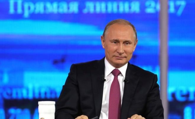 «Би-би-си» узнало, что неудобные вопросы на«прямой линии» В.Путина согласовали сКремлем