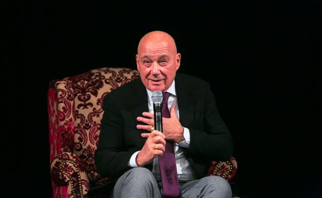 Песков отказался объяснять вопрос Познера обатеизме