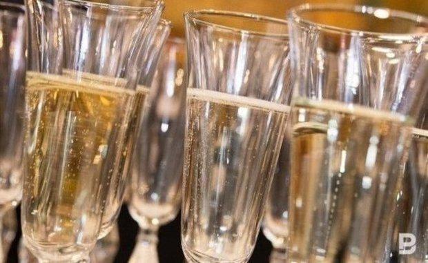 В Россию возобновляются поставки шампанского из Франции