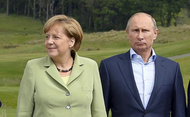 Меркель сообщила, что нежелает быть посредником между Путиным иТрампом