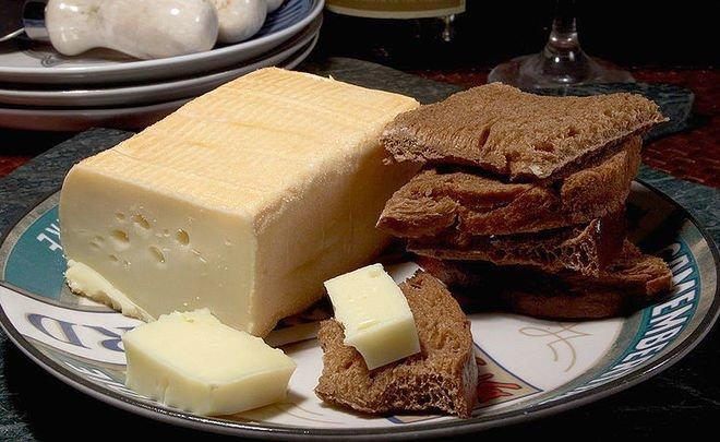 РФ всамом начале года увеличила импорт сыра неменее чем на16%