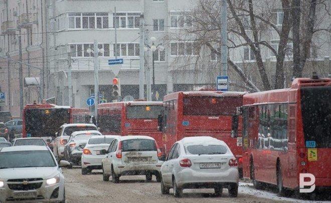 Казанские перевозчики просят поднять стоимость проезда вобщественном транспорте