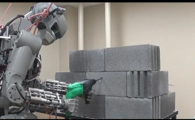 В РФ создали робота-космонавта Федора