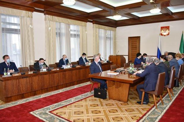 Госсовет Татарстана обсудит законопроект о бюджете на 2021 год и плановый период 2022 и 2023 годы