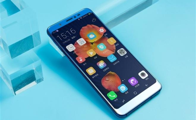 В Китае появился первый в мире смартфон для 80-мегапиксельных снимков