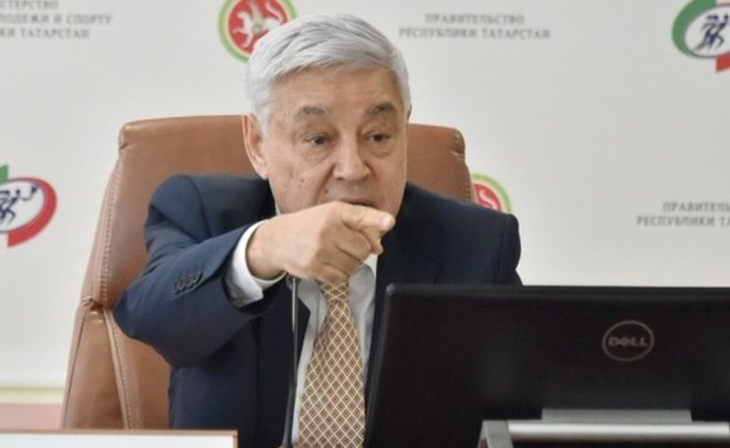 «Единая Россия» открестилась отслов депутата о«слугах-журналистах»