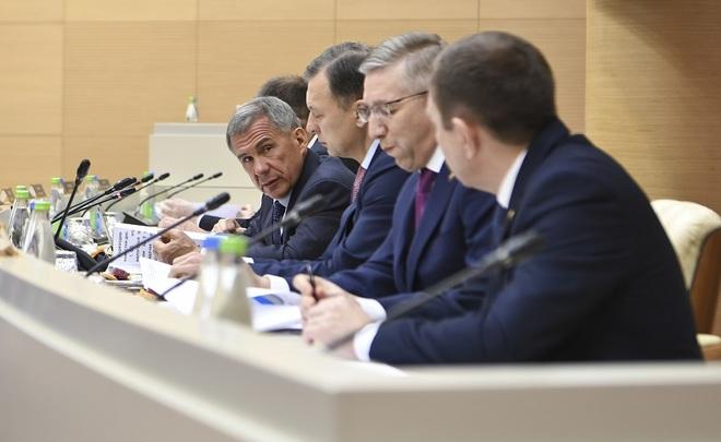 Рустам Минниханов: недоимка потранспортному налогу составляет 1,2 млрд